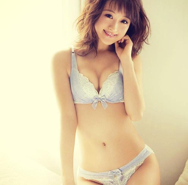 ワキガと噂の女性芸能人⑤「鈴木奈々」〜お風呂に入らない不潔モデル〜の画像1