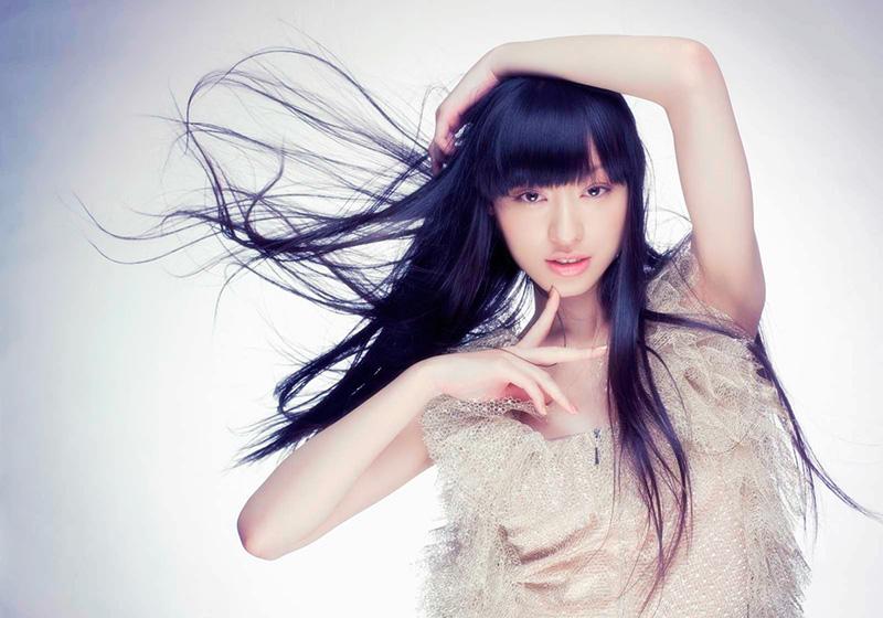 5位 綺麗な黒髪ロングヘアーに憧れる「栗山千明」の画像