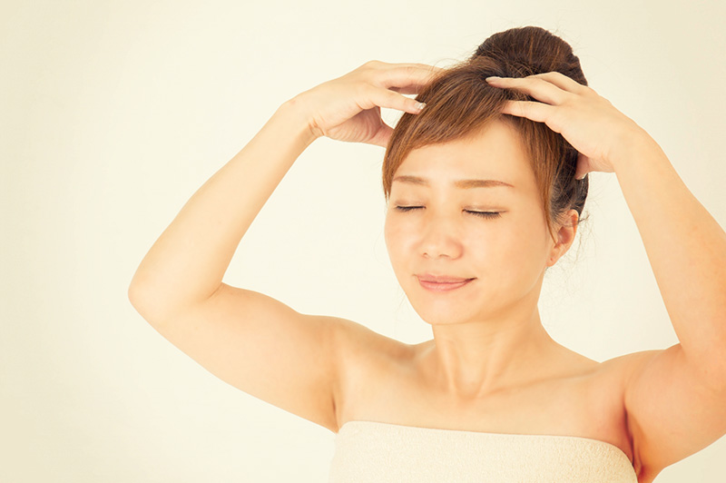家で簡単にできる!乾燥対策に効く頭皮ケアの方法は?